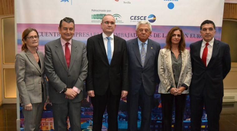 Embajadores y representantes de 24 países de la Unión Europea mantienen un encuentro con empresarios Sevillanos en la Cámara de Comercio
