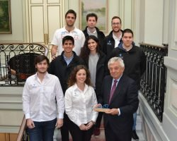 El equipo ARUS presenta a la Cámara de Comercio su primer monoplaza eléctrico