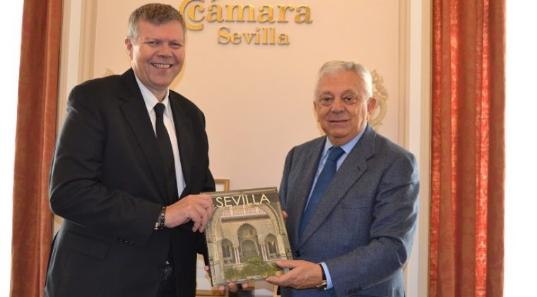 El nuevo Consejero Delegado de Cobre Las Cruces, Iain Anderson visita la sede institucional de la Cámara de Comercio de Sevilla