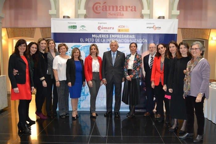 La Cámara de Comercio de Sevilla el ICEX, la Asociación de Mujeres Empresarias Hispalenses y Extenda han celebrado una jornada con mujeres empresarias sobre la internacionalización