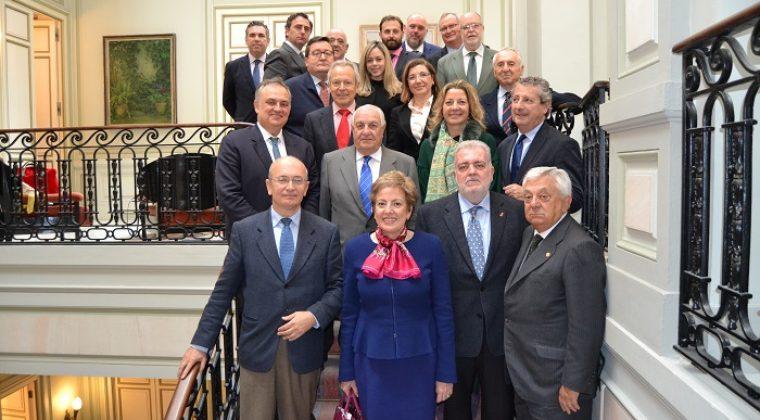 Empresarios sevillanos se reúnen en la Cámara de Comercio con la Embajadora de México, en busca de nuevas oportunidades de negocio