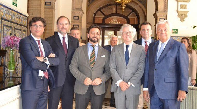 El presidente de la CNMV anima a las empresas a cotizar