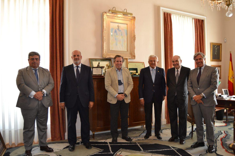 Visita del presidente de RocaJunyent, Miquel Roca Junyent